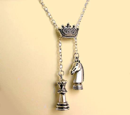 biżuteria szachistki
